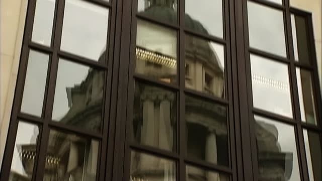 'three musketeers' convicted of plotting terror attacks in the uk r22020804 / 2222008 reflection of old bailey and lady justice statue seen in window... - statue of justice london stock videos and b-roll footage