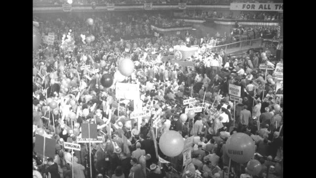 vidéos et rushes de three overhead shots of delegates demonstrating for governor adlai stevenson / delegates demonstrating / delegates demonstrating for senator richard... - adlai stevenson