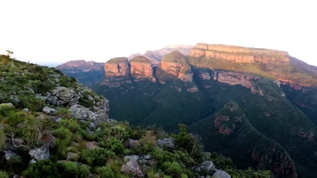 three rondavels, blyde river canyon, mpumalanga, south africa - blyde river canyon stock videos and b-roll footage
