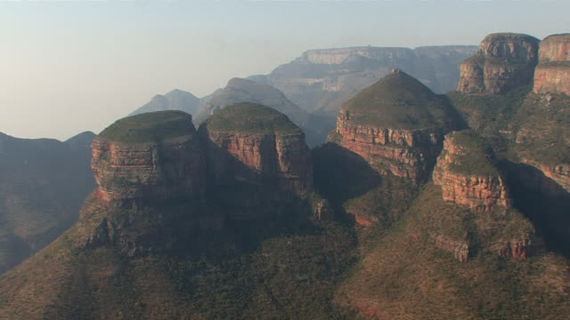 ws ha three rondavels in blyde river canyon / mpumalanga province, south africa - mpumalanga province stock videos and b-roll footage