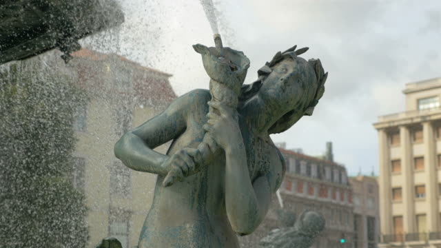 Three videos of fountain on the RossioSquare – Lisbon in 4K