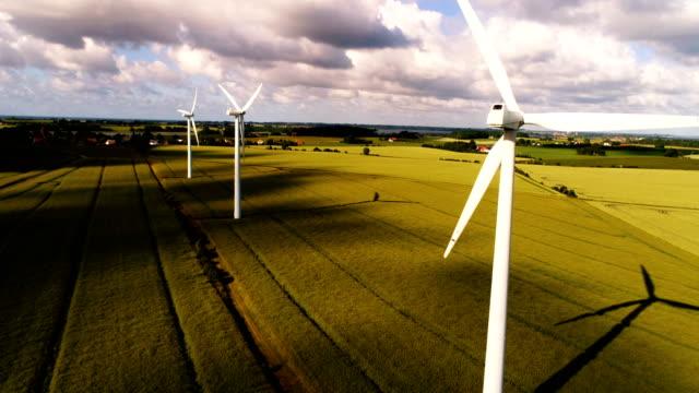 3 つの風力タービン - デンマーク点の映像素材/bロール