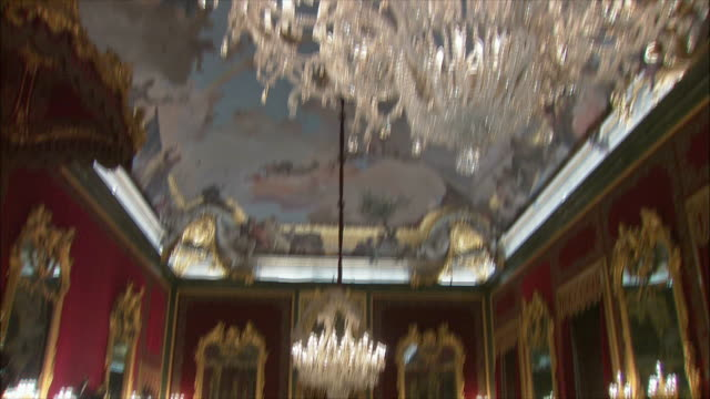 MS TD TU Throne room with crystal chandelier, Royal Palace, Madrid, Spain