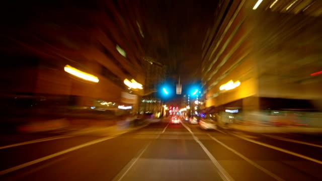 through downtown psu drive portland oregon night time lapse - portland oregon点の映像素材/bロール