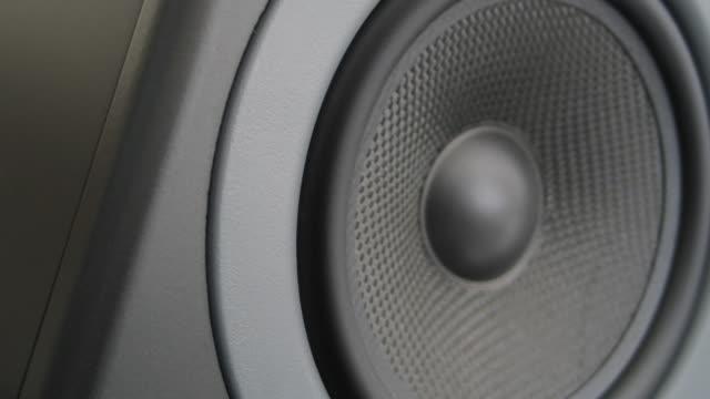 Thumping Bass Audio Speaker (Loop)
