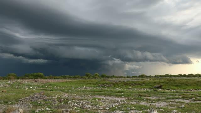stockvideo's en b-roll-footage met thunderstorm - onweersbui