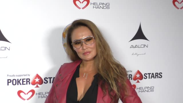 vídeos de stock, filmes e b-roll de tia carrere at the los angeles police memorial foundation's celebrity poker tournament and casino night at avalon hollywood at celebrity sightings in... - tia carrere