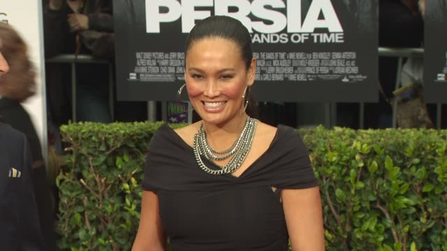 stockvideo's en b-roll-footage met tia carrere at the 'prince of persia: the sands of time' premiere at hollywood ca. - tia carrere