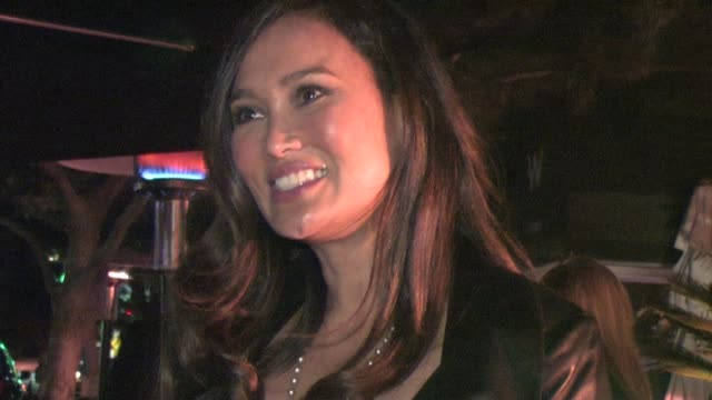 vídeos de stock, filmes e b-roll de tia carrere at the w hotel in westwood at the celebrity sightings in los angeles at los angeles ca - tia carrere