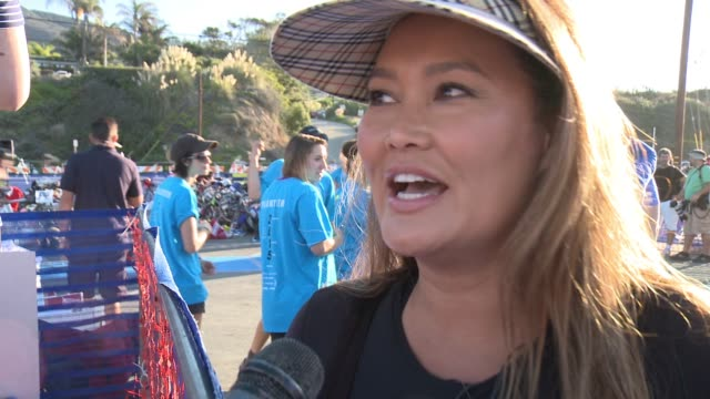 vídeos de stock, filmes e b-roll de interview tia carrere on participating today and the training she's done at nautica malibu triathlon presented by equinox on september 20 2015 in... - tia carrere