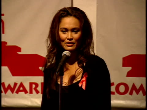 vídeos de stock e filmes b-roll de tia carrere says she hopes people will see her new film and view her in a different light than her role from wayne's world. - tia