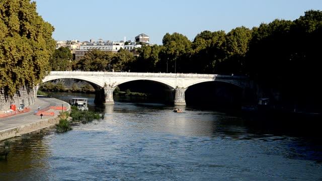 テベレ川のローマ(hd - サンタンジェロ橋点の映像素材/bロール