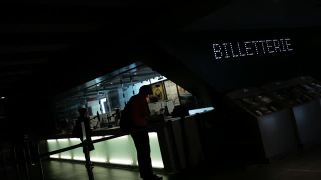stockvideo's en b-roll-footage met ticket booth at place des arts in montreal - arts culture and entertainment