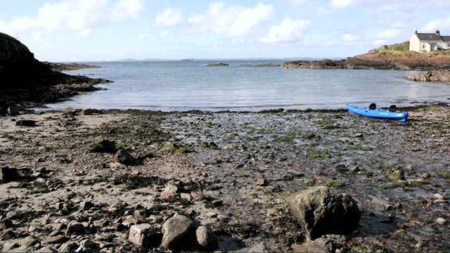 "stockvideo's en b-roll-footage met ""tide coming in, timelapse"" - pembrokeshire"