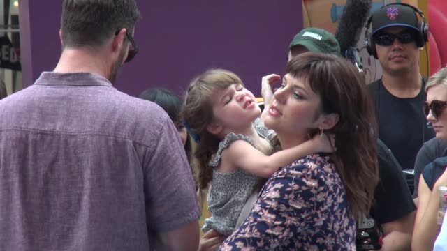 tiffani thiessen and her daughter harper smith at the doc mobile tour event in times square in new york ny on 8/21/13 - tiffani thiessen stock videos & royalty-free footage