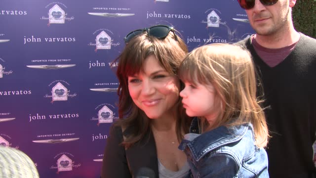 interview tiffani thiessen on being a part of the event what she appreciates about john varvatos's support of the stuart house what they're most... - tiffani thiessen stock videos & royalty-free footage