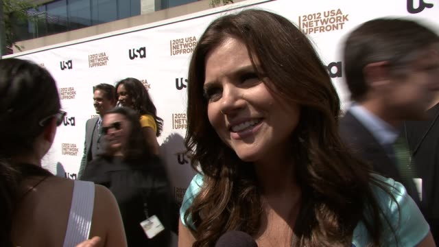 tiffani thiessen on the success of white collar on what to expect next season on working with the cast jokes that matt bomer makes her want to try... - tiffani thiessen stock videos & royalty-free footage