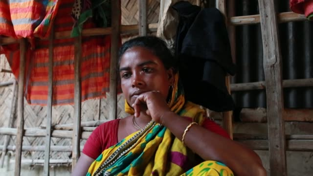 tiger widow buli das speeches that she had faced situation after her husband attack by tiger at sundarban at satkhira bangladesh on april 12 2018 she... - widow stock videos and b-roll footage