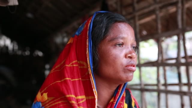 tiger widow dipali speeches that she had faced situation after her husband attack by tiger at sundarban at satkhira , bangladesh on april 12, 2018.... - widow stock videos & royalty-free footage