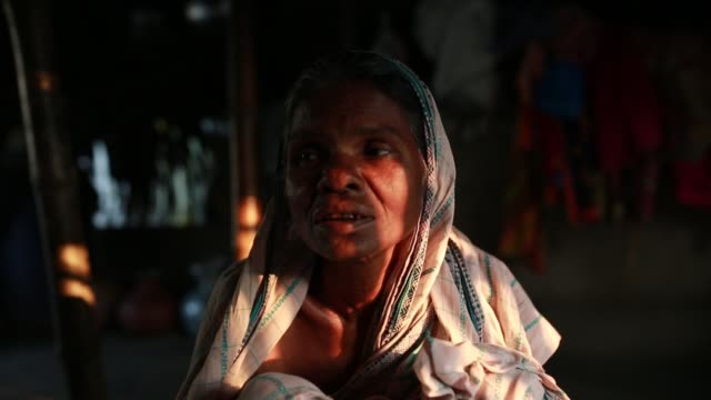 vídeos de stock, filmes e b-roll de tiger widow jamdasi speeches that she had faced situation after her husband attack by tiger at sundarban at satkhira bangladesh on april 12 2018 she... - widow