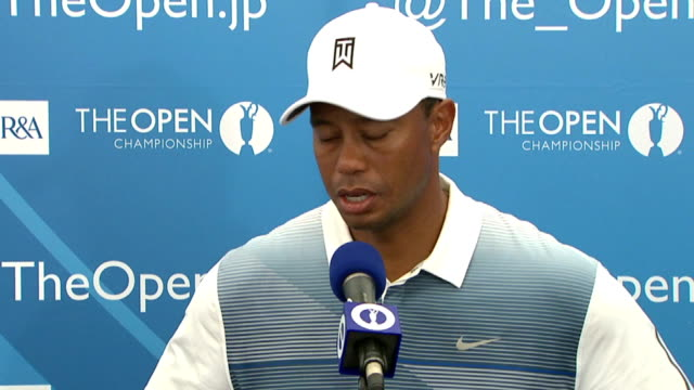 vídeos de stock e filmes b-roll de tiger woods press conference. restriction: this content shall not be licensed in germany, austria and france. in respect of japan, the content may... - entrevista evento