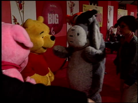tigger at the 'piglet's big movie' premiere at the el capitan theatre in hollywood, california on march 16, 2003. - el capitan theatre stock videos & royalty-free footage