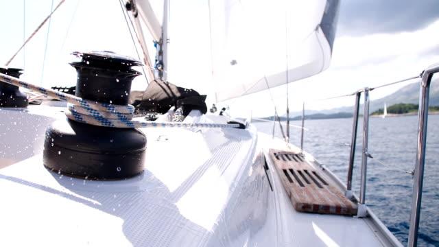 slo mo verschärfung der seil - besatzung stock-videos und b-roll-filmmaterial