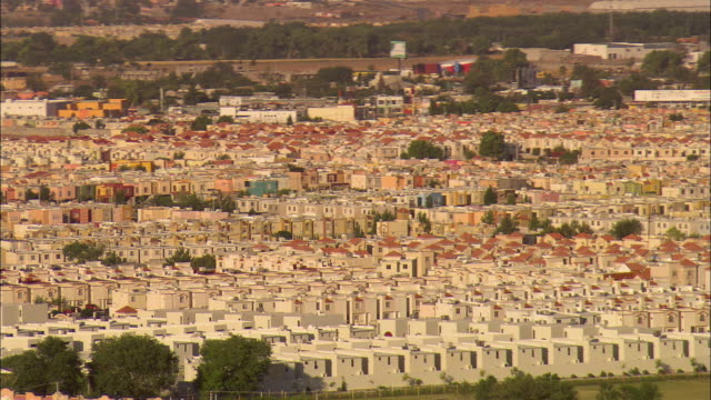 AERIAL ZO Tightly packed small apartments in Juarez and US/Mexican border, El Paso, Texas, USA