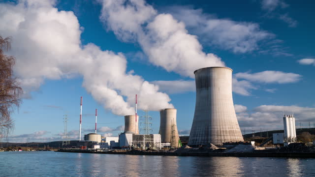stockvideo's en b-roll-footage met tihange nuclear power station - sociale kwesties