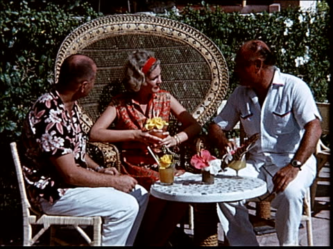 stockvideo's en b-roll-footage met 1963 tiki restaurant in acapulco - 1963