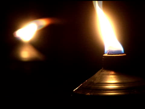 stockvideo's en b-roll-footage met tiki torch - tiki torch