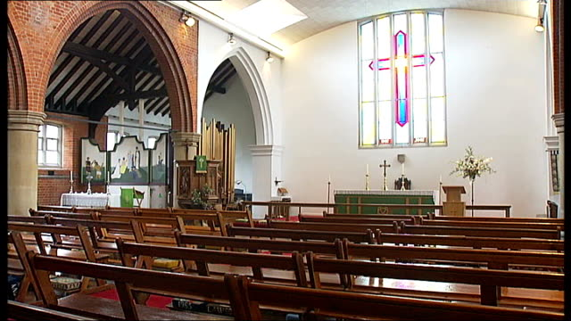 tilbury priest tackles sham marriage scam; england: essex: tilbury: st john the baptist church: int father tim codling interview sot ext general... - バプテスト点の映像素材/bロール