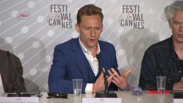 vídeos de stock, filmes e b-roll de interview tilda swinton tom hiddleston on the vampire characters in the film at 'only lovers left alive' press conference on may 25 2013 in cannes... - cannes