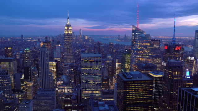 tilt down: high angle view of manhattan nyc new york sunset. american lifestyle cityscape lanmark and tourism concept. - tilt stock videos & royalty-free footage