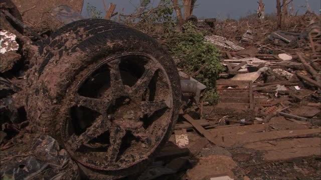 tilt down remains of oklahoma home after tornado - ジャンパー点の映像素材/bロール