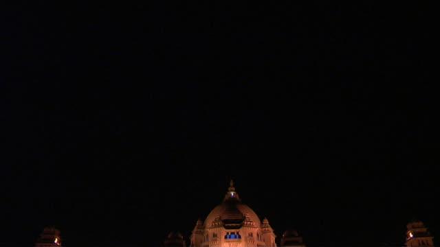 tilt down shot reveal umaid bhavan jodhpur rajasthan india - dome stock videos & royalty-free footage