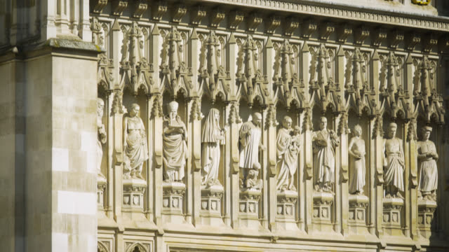 stockvideo's en b-roll-footage met tilt down western facade of westminster abbey - westminster abbey