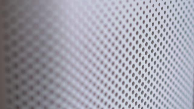 vidéos et rushes de inclinez le filtre de détecteur d'air de qualité de l'air pm 2.5 - qualité
