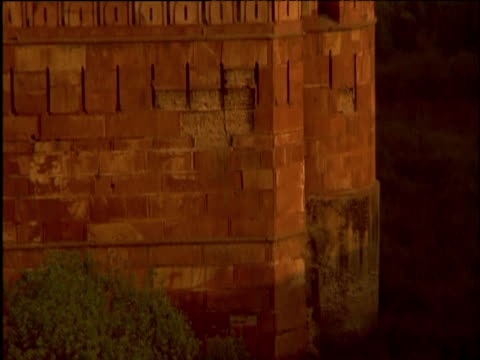 Tilt up crenellated walls of Red Fort Delhi