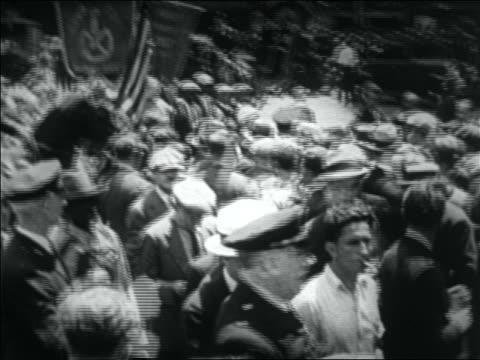 B/W 1932 tilt up PAN crowd of WWI veterans mounted police in Bonus March / NYC
