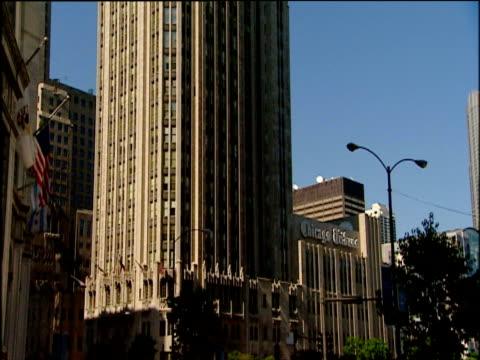 tilt up facade of tribune tower chicago - tribune tower stock-videos und b-roll-filmmaterial