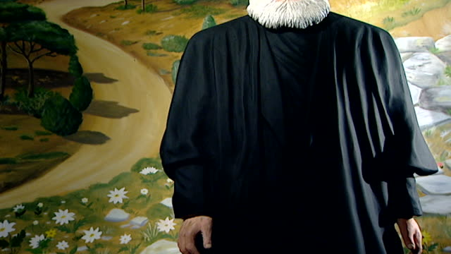 tilt up on a wax lifesize figure of druze spiritual leader, sheikh el akl , the late sheikh mohammad abou chakra. - pinaceae stock videos & royalty-free footage