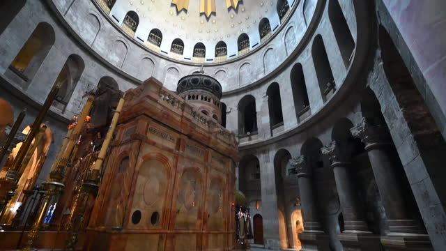 tilt up shot of shrine in church of the holy sepulcher, interior of historic religious place - jerusalem, israel - jerusalem stock videos & royalty-free footage
