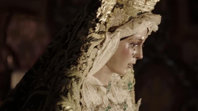 tilt up statue of virgin mary, spain - female likeness stock videos & royalty-free footage