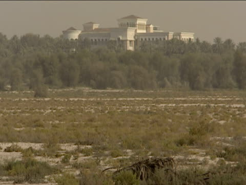 tilt up to palace of sheik mohammed bin rashid al maktoum dubai - palace stock videos & royalty-free footage