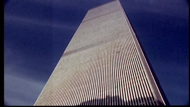 vídeos de stock e filmes b-roll de tilt up tower of world trade center. - world trade center manhattan