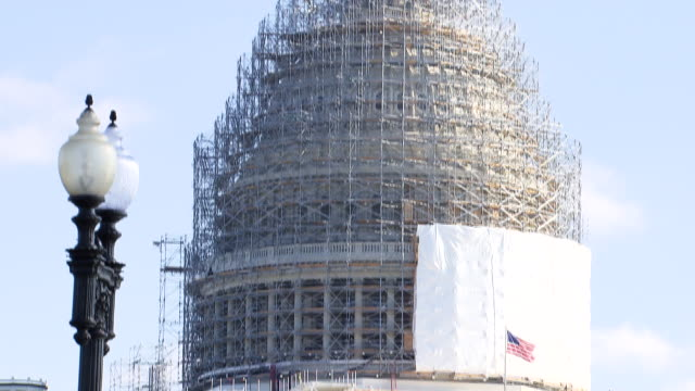 Tilt up United States Capitol building under construction