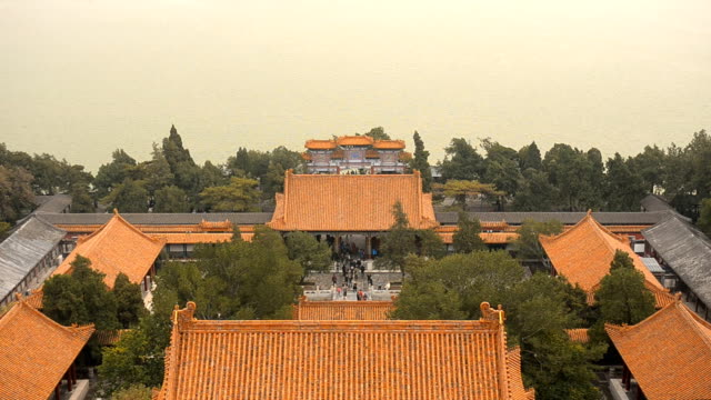 tilt: view point from longevity hill at beijng summer palace in winter - pagoda stock videos & royalty-free footage
