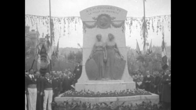 Tiltdown WS crowds gathered at ceremony in Biarritz where statue commemorating Edward VII of the UK has been unveiled the statue honors the King's...