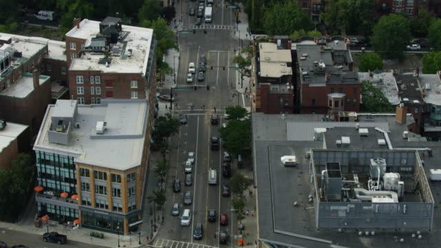 vídeos de stock, filmes e b-roll de tilt-up shot from the boston side of the harvard bridge to the cambridge side - massachusetts